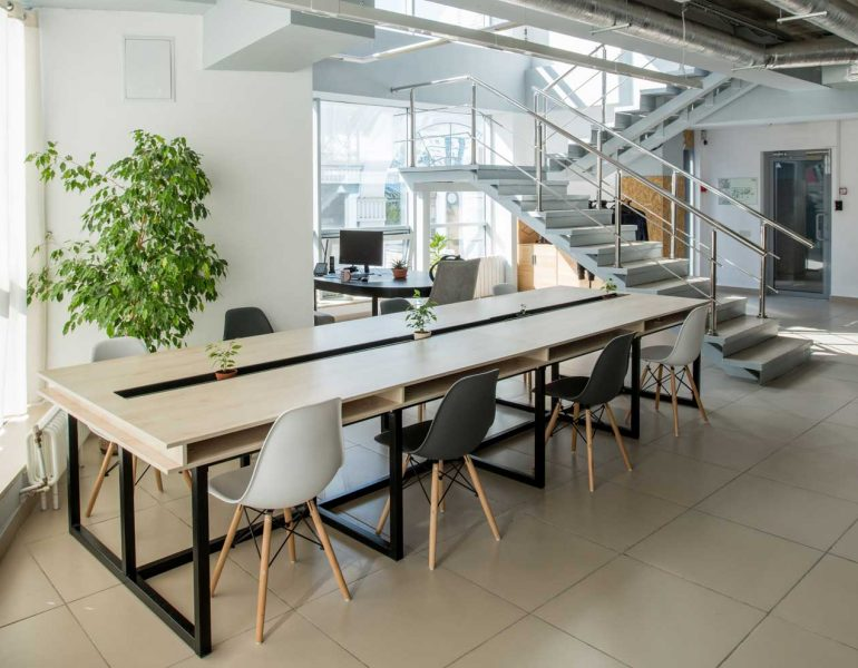 modern-business-office-HWMUDS8.jpg